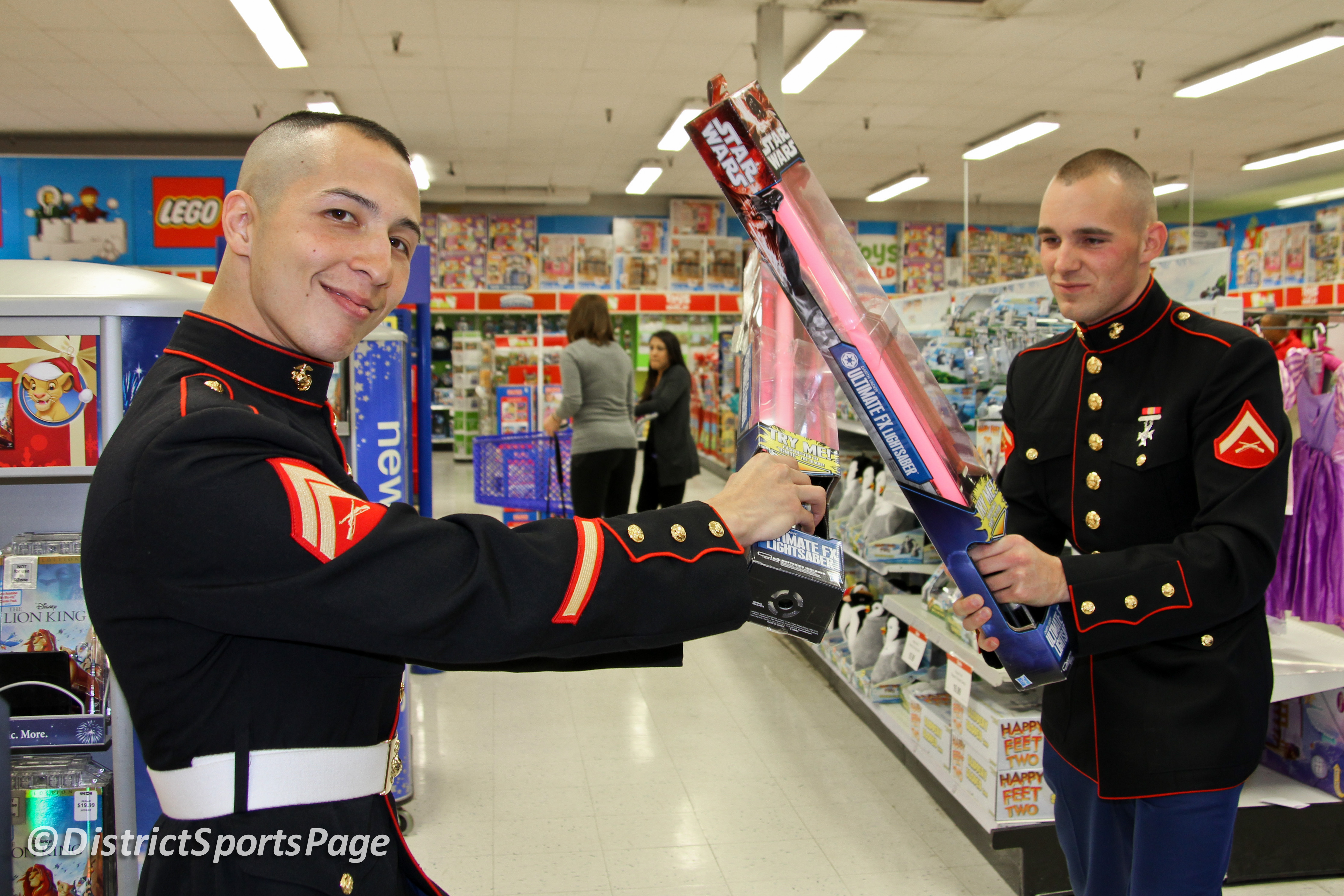Toys For Tots Marines Stabbed : Toys for tots marines wow