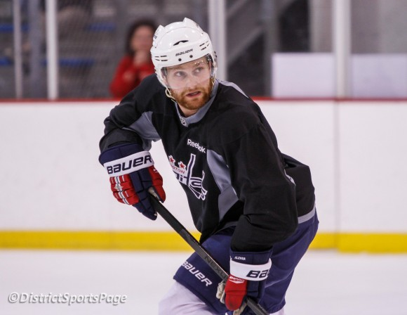 Karl Alzner -Practice April 27(Cheryl Nichols/District Sports Page)