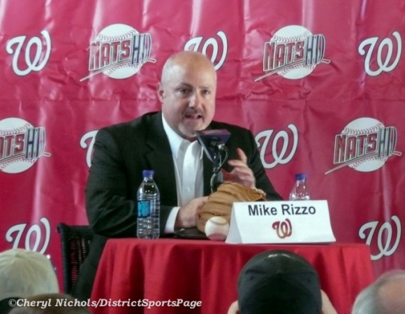 Washington Nationals GM Mike Rizzo answering fan questions at 2010 NatsFest (Cheryl Nichols/District Sports Page)