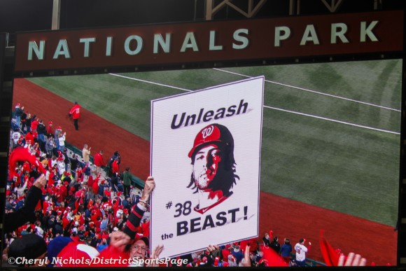 Nats fans showing their love for Michael Morse, 10/12/2012 (Cheryl Nichols/District Sports Page)