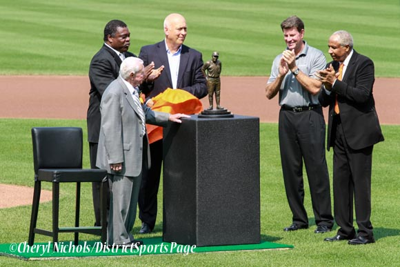 Earl Weaver statue unveiled by Earl Weaver, Eddie Murray, Cal Ripken Jr., Jim Palmer and Frank Robinson at Camden Yards, 6/30/2012 (Cheryl Nichols/District Sports Page)