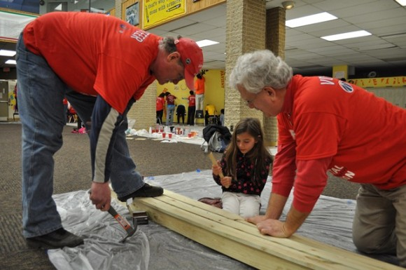 Washington Bullets alumnus Bob Dandridge and volunteers during the MSE Foundation MLK Day of Service project. (Photo Courtesy of Monumental Network)