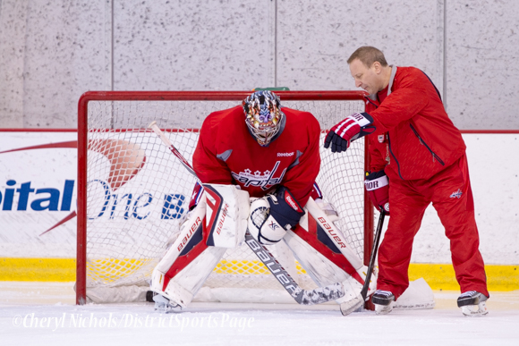 Justin Peters getting advice from Goaltending Coach Mitch Korn Washington Capitals Practice, 10/07/2014 (Photo by Cheryl Nichols/District Sports Page)