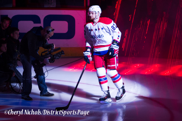 Liam O'Brien - Caps introductions before Washington Capitals home opener against Montreal featuring 40th Anniversary cermony, 10/09/2014 (Photo by Cheryl Nichols/District Sports Page)