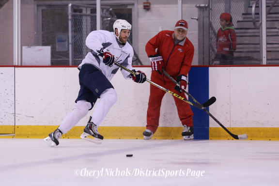 Brooks Laich - Caps Game Day Practice at Kettler Iceplex before Playoff Round One, Game One,, 4/15/2015 (Photo by Cheryl Nichols/Distict Sports Page)
